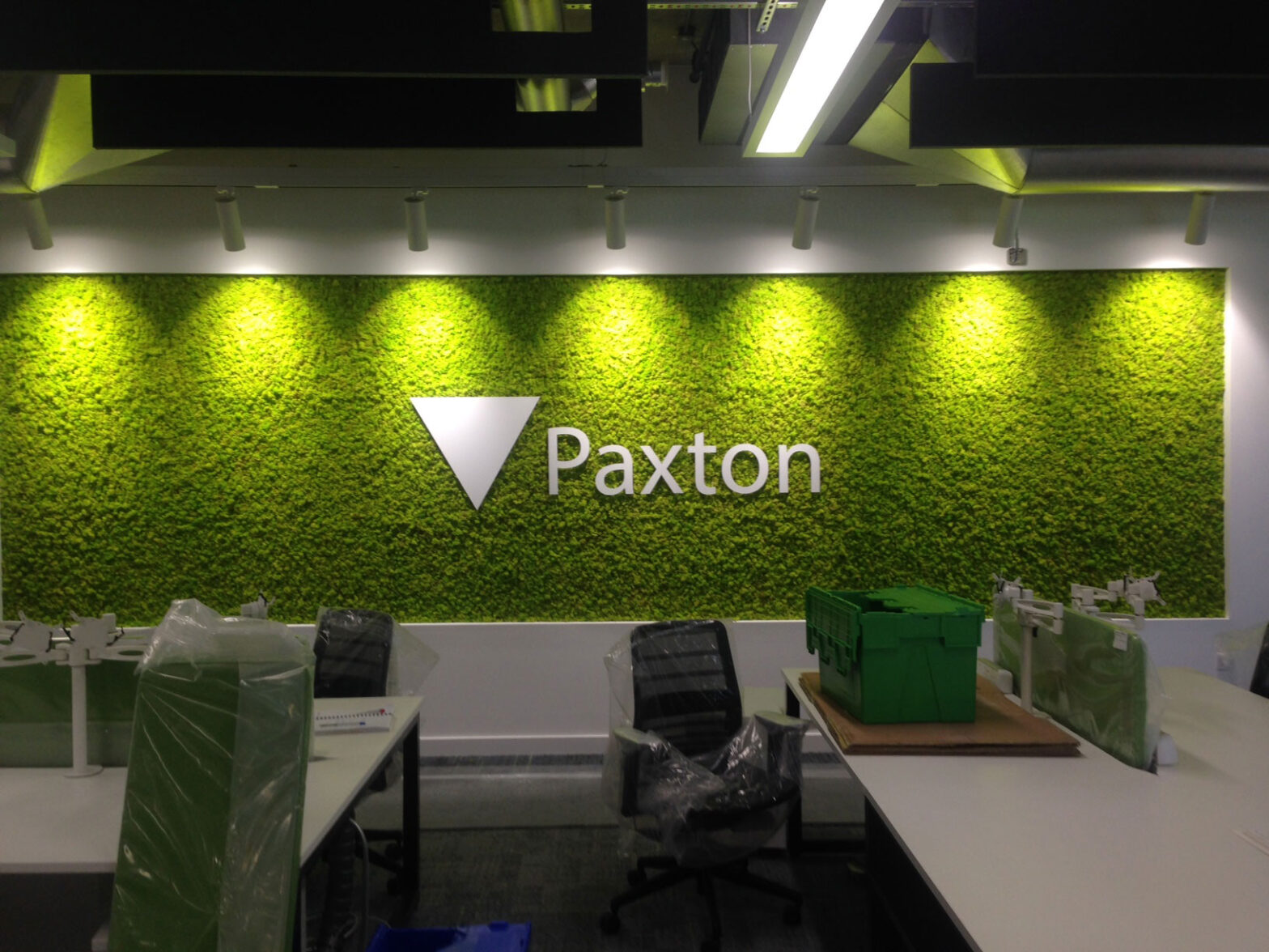 Right size sign for Paxton