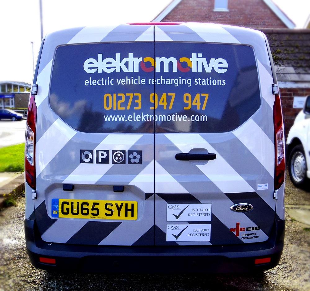 Elektromotive van wrap rear view