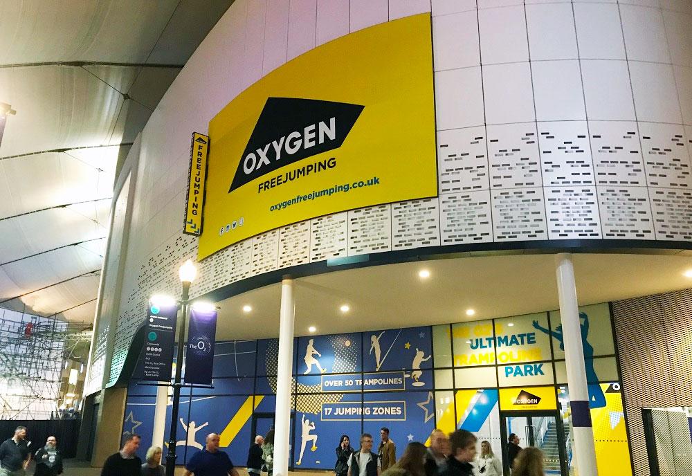 Signage Oxygen 02 Arena