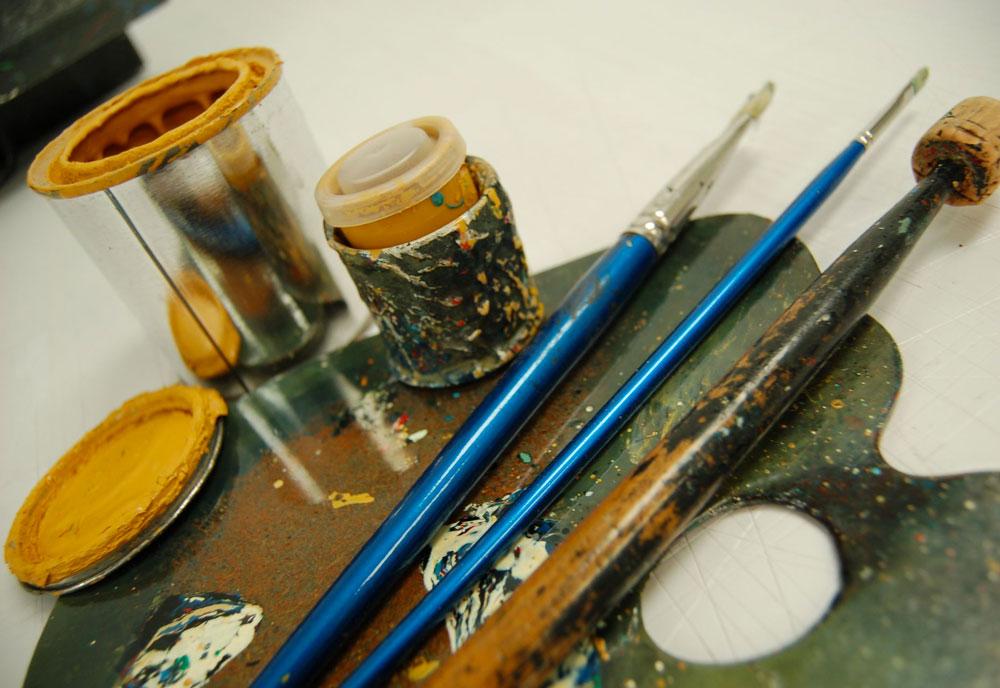 Traditional signwriting tools